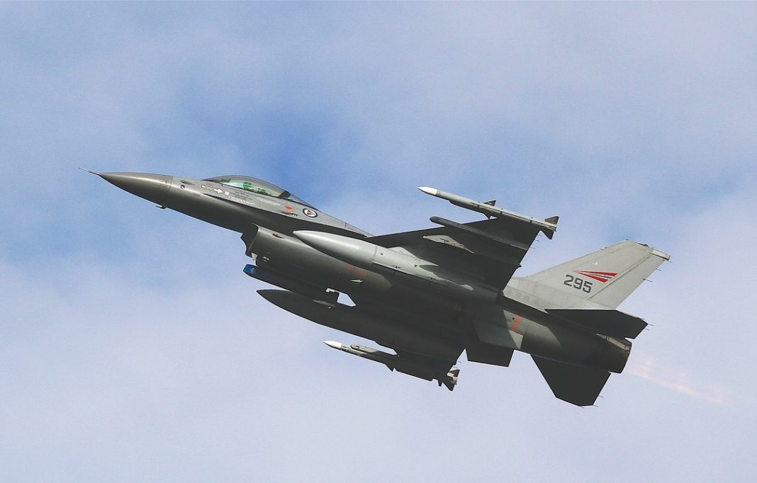 F16 vliegtuig